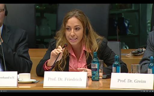 Karen Friedrich no Parlamento Alemão