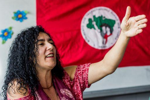 """Esta decadência se soma a uma """"crise de valores"""" afirma Marina dos Santos, dirigente nacional do movimento."""