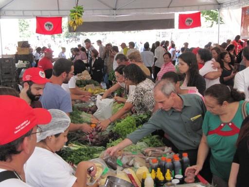 V Feira Estadual da Reforma Agrária Cícero Guedes. Foto: Alan Tygel