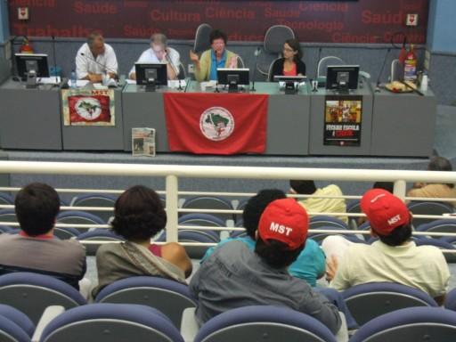 Apresentação de TCC no Auditório da EPSJV/Fiocruz – 10.05.2013