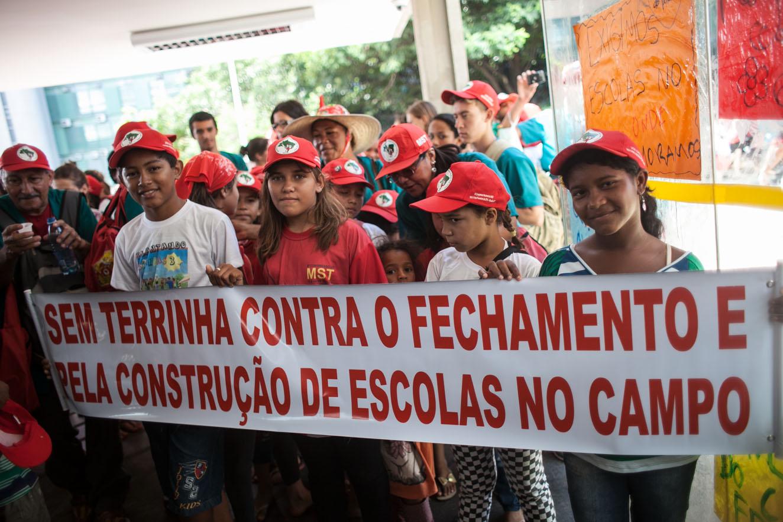 VI Congresso MST, Brasilia. Dia 3. Ocupaçao do MEC pelos Sem Terrinho
